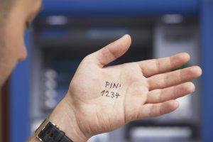 Что такое дебетовая карта? Как выбрать карту? Плюсы и минусы. Дебетовая карта, что это, незаменимый и безопасный помощник или уловка банков?
