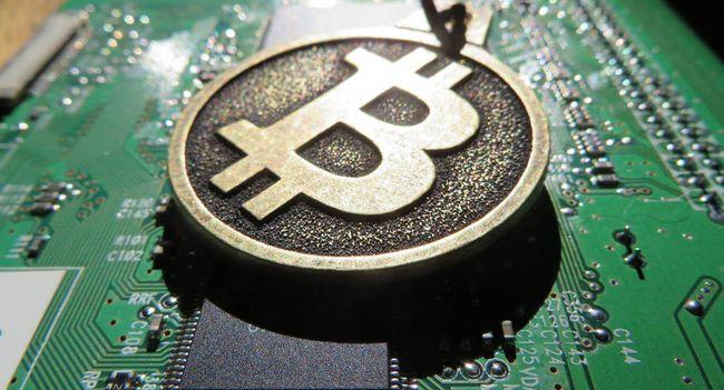 Как зарабатывать биткоины с помощью компьютера тремя способами