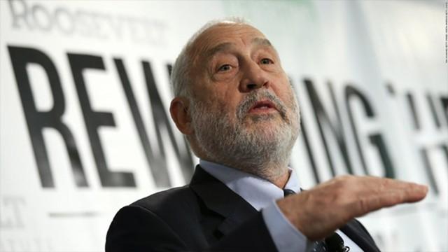 Нобелевский лауреат против биткоина и назвал его мыльным пузырем