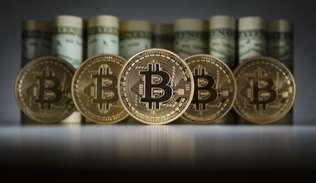 Вкладывают ли аналитики и эксперты свои деньги в биткоин